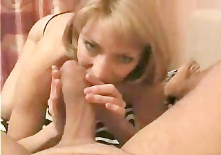 hot blonde mom is sucking the hell out of dads
