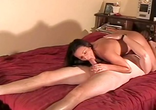 her large lascivious muff receives creampied